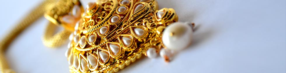 Traditional gold jewellery in theni