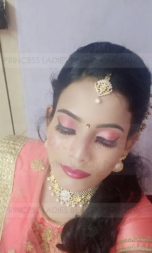 Leading ladies beauty parlour cumbum