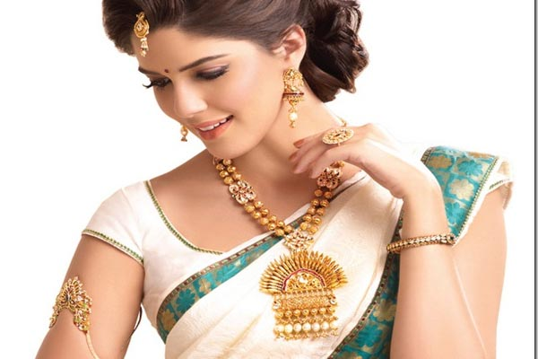 Trendy jewell collection in madurai