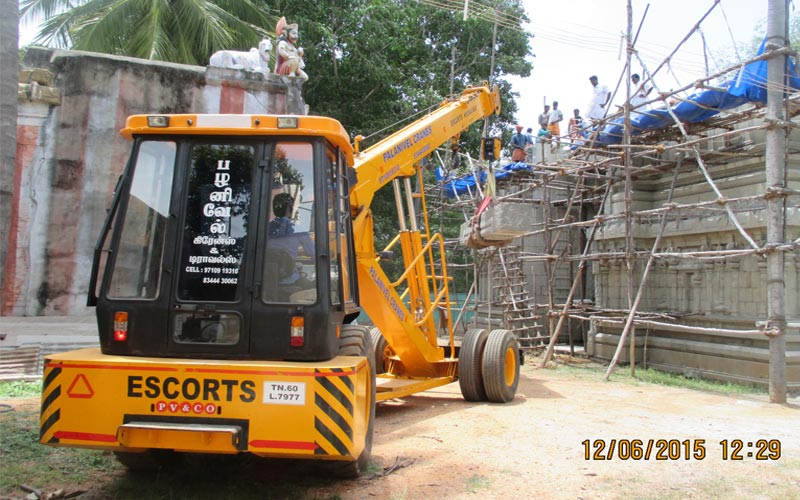 Supplier and Owner of Hydraulic Crane cumbum